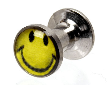 Smiley piercing 4 mm. Yttre mått cirka 12x8 mm.