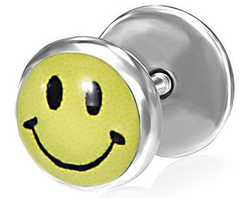 Smiley-piercing. Yttre diameter cirka 8 mm.
