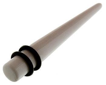 Piercing 8 mm.