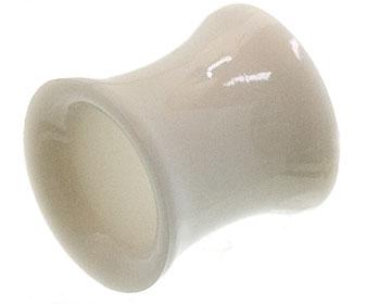 Tunnelpiercing. Inre diameter 8 mm, yttre diameter 10 mm.