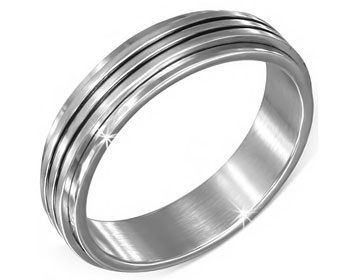 Snurrbar ring.