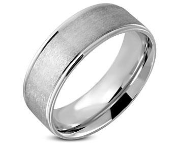 8 mm bred ring i stål.