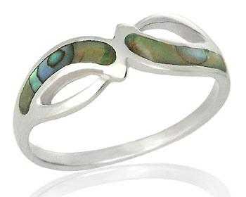 Silverring gjort i silver och pärlemor.